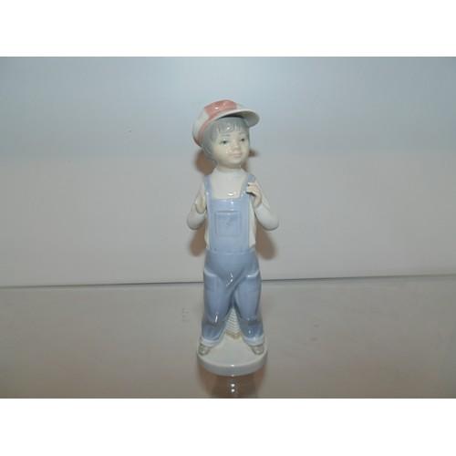 1017 - LLadro figurine...