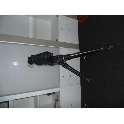 1030 - EQ6 Skywatcher telescope mount...