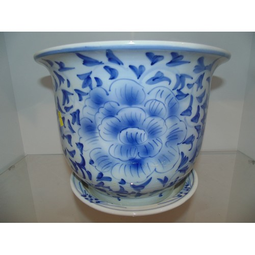 1103 - Large Chinese style plant pot 10