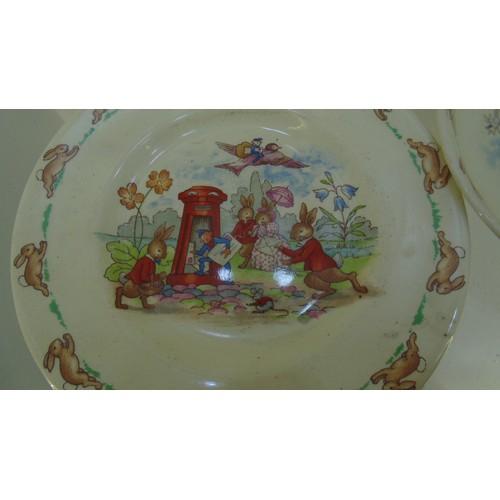 145 - Bunnikins royal doulton plate set