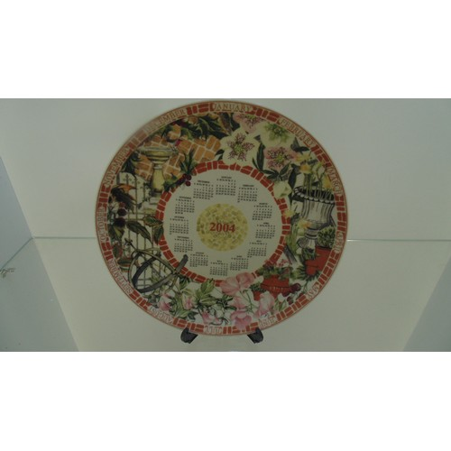 163 - Wedgewood calendar plate of 2004...