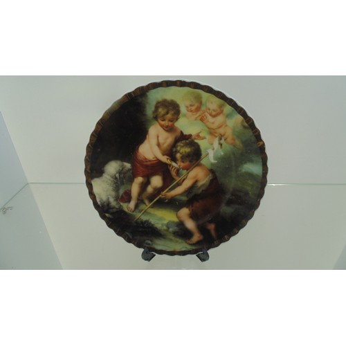 164 - Small plate of cherrubs...