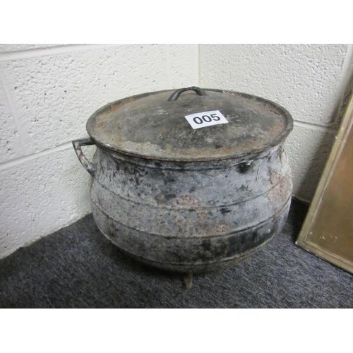 5 - Antique skillet pot with lid....