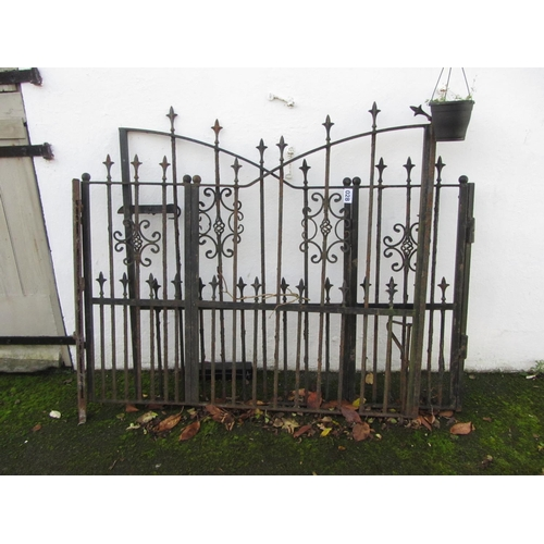 28 - Pair of garden gates.  300cm x 130cm.