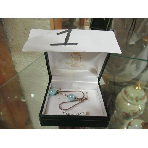 1 - Ladies sterling silver Pearl earrings.