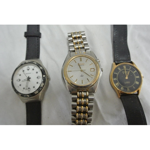 46 - A small lot of three watches including a Seiko watch...