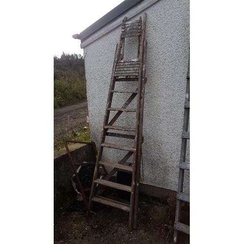 615 - An set of vintage wooden steps....