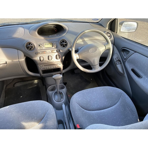 1001 - [W146 NWG] 2000 Toyota Yaris 1.3 Automatic 5-door hatchback in Silver, MOT Expired September 18, 37,...
