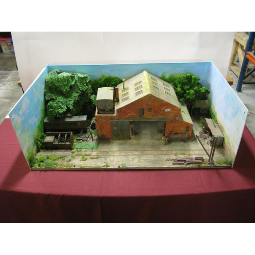 322 - An 'O'/1 Gauge Diarama of a British Mid XX Century Works, with scenery, 93cm wide, 52cm deep....