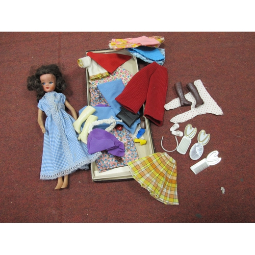 1056 - Sindy Doll with some Original Clothes and Accessories, Ideal, Hong Kong and other dolls, soft toys, ...