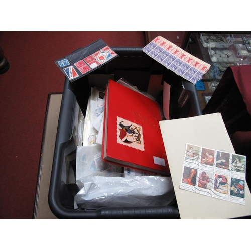 211 - A Carton of USA Stamps and Postal History in Stockbooks, on stock cards and in packets from 1900's t...