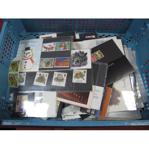 265 - An Accumulation of G.B Mint Decimal Stamps, in packets, presentation packs and loose, with a face va...