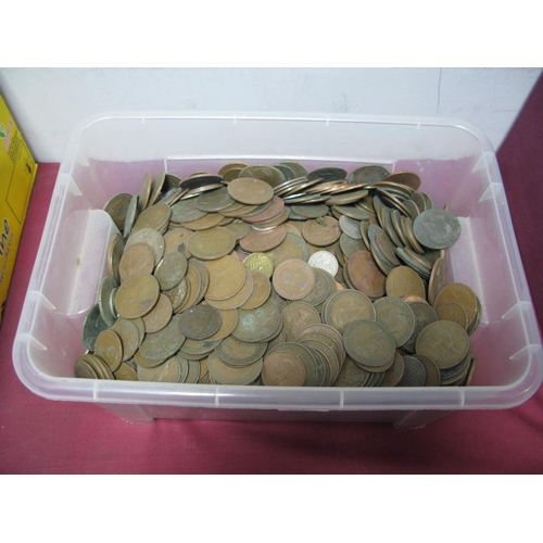 301 - A Collection of G.B Pre-Decimal Base Metal Coins, mostly pennies and halfpennies, all from circulati...