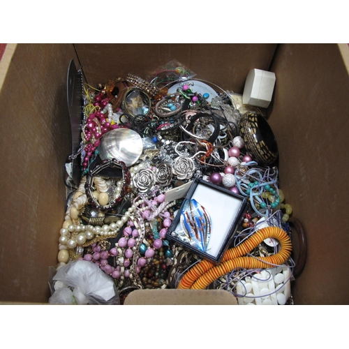 15 - A Mixed Lot of Assorted Costume Jewellery, including bead necklaces, bracelets, diamante style, imit...