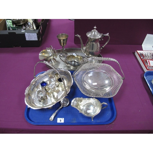 5 - A Hallmarked Silver Sauce Boat, Walker & Hall, Sheffield 1933, with decorative edge and scroll handl...