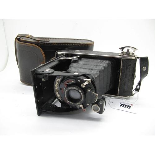 798 - Voightlander Bessa Voightar 1:6.3 Folding 35mm, in leather case.
