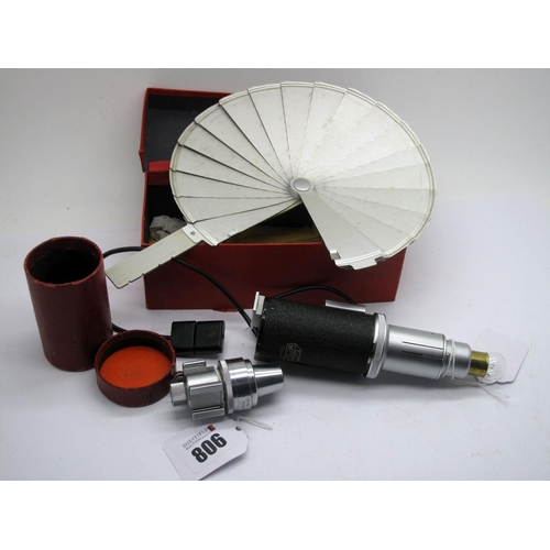 806 - Leica Leitz Flash Unit, boxed, also a Leitz Vidom variable viewfinder. (2)