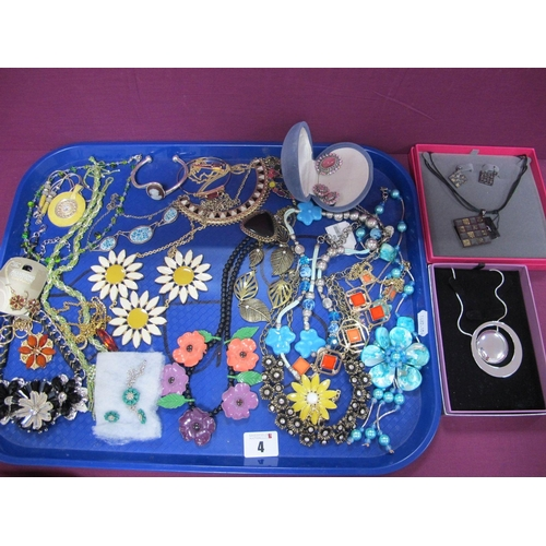 4 - Modern Costume Jewellery, including necklaces etc :- One Tray