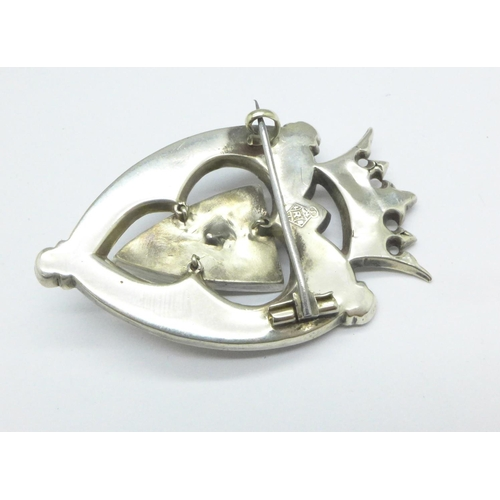 1087 - A Victorian Scottish stone set brooch...