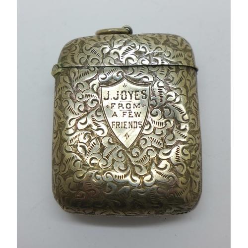 827 - A silver vesta case with inscription, 29g...