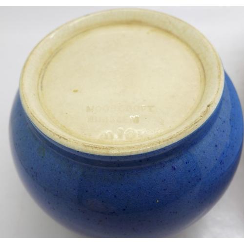 649 - A Moorcroft blue plate and sugar bowl...