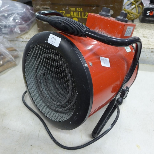 2013 - Honeywell 3kw hot/cold fan heater - W...