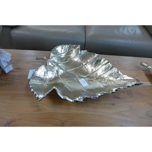 1345 - A metal gold leaf bowl (7059721)   #...