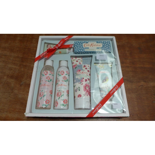3042 - A Cath Kidston Bath & Body  Collection   299077/43  *This lot is subject to vat...