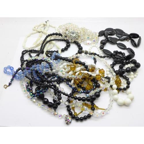 658 - Vintage glass bead necklaces...
