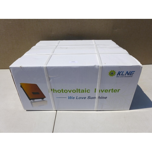 2001 - KLNE Sunteams 3000 photovoltaic inverter - boxed & unused - W *This lot is subject to vat...