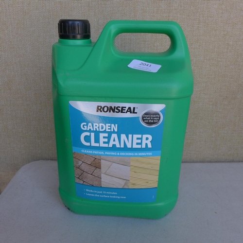 2041 - 3 x 5l Tubs of Ronseal garden cleaner...