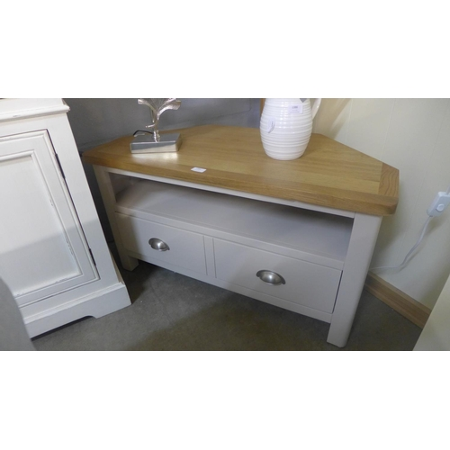 1385 - A Rutland painted corner TV unit (RA-CTV-TR)...