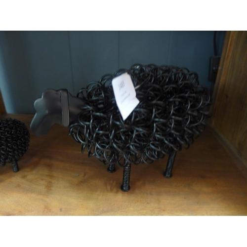 1483 - A metal wiggle black sheep (WGS09)   #...
