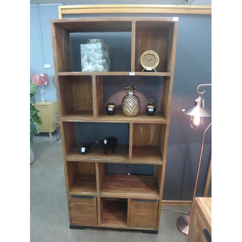 1485 - A Matrix light shelf unit...