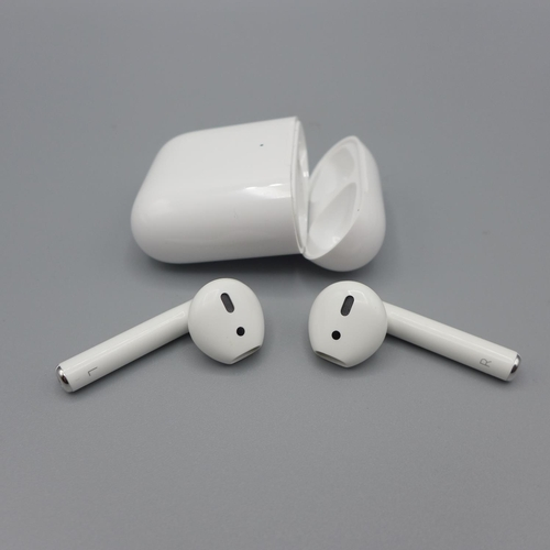 3012 - A pair of Apple Airpods With W/Less Chg Case    (361)  (Ajs 187)  Rrp £144.99 + Vat * This Lot Is Su...