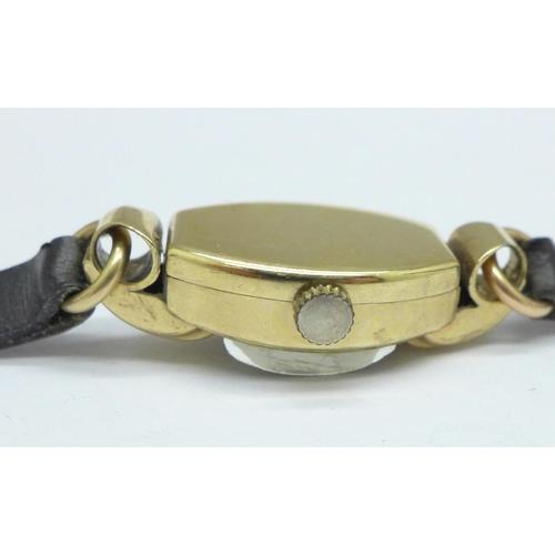 1096 - A 9ct gold lady's Tudor wristwatch, stamped R.W.C....