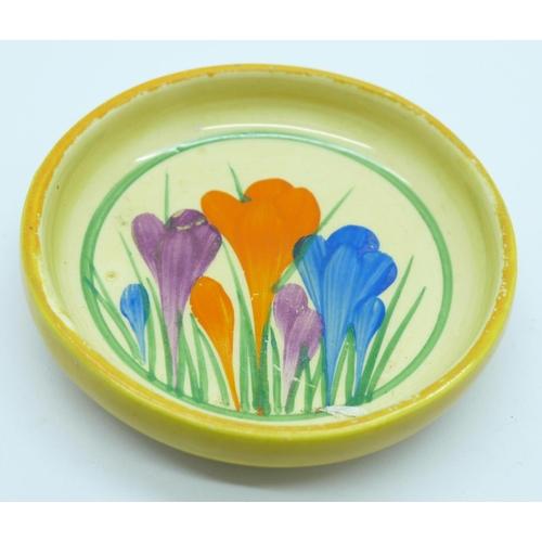 658 - A Clarice Cliff crocus pattern pin dish...