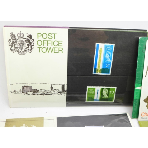 665 - GB presentation packs, 17 1960's packs including some scarce items...