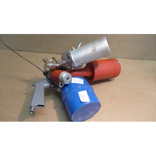 2030a - Airtech pop riveter for a compressor & 3 sprayers - unused...