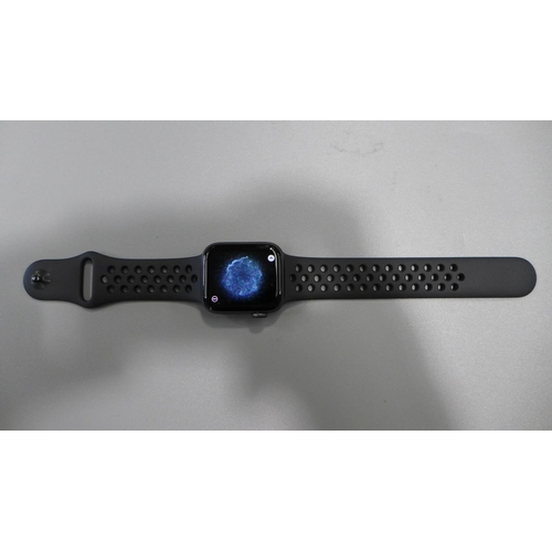 3052 - An Apple Nike+ Watch - 40mm (Series 4), model A2007, with box and charging lead  * This lot is subje...