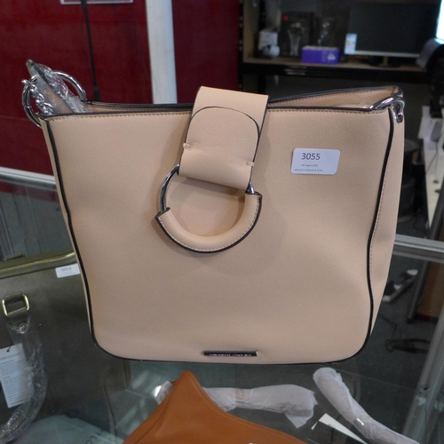 3055 - A Morgan Taylor beige leather handbag (new & unused)...