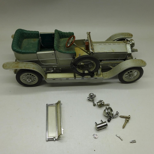620 - A Franklin Mint model 1907 Rolls-Royce The Silver Ghost, a/f...