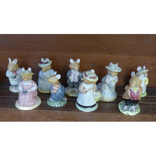 655 - Nine Royal Doulton Brambly Hedge figures...
