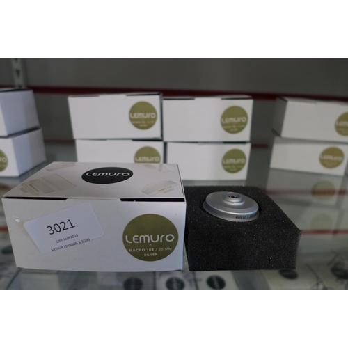 3021 - Five Lemuro Macro 10 x 25mm silver lenses...
