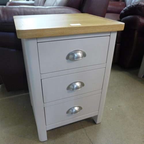 1363 - A Rutland painted oak 3 drawer large bedside table (RA-LBSC-TR) (Ref 16)  *This lot is subject to VA...