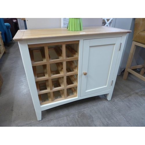 1433 - A Malvern Shaker ivory painted oak wine cabinet (EV16-89) (Ref 13)  *This lot is subject to VAT...