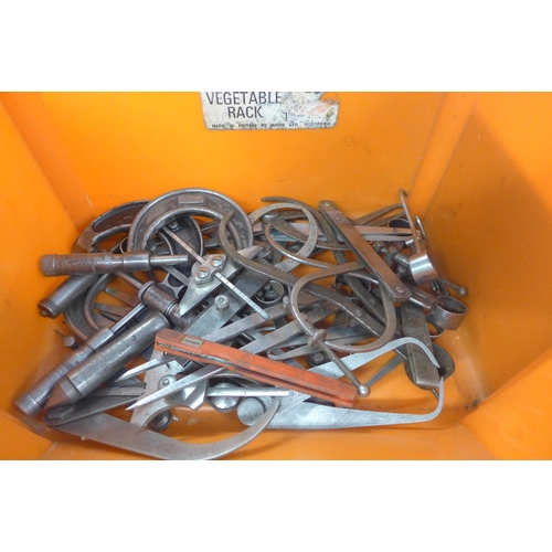 2004 - Quantity of calipers and gauges...