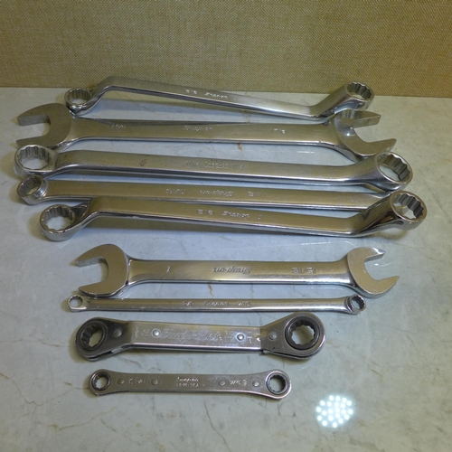 2009 - 9 Snap-On spanners - various...