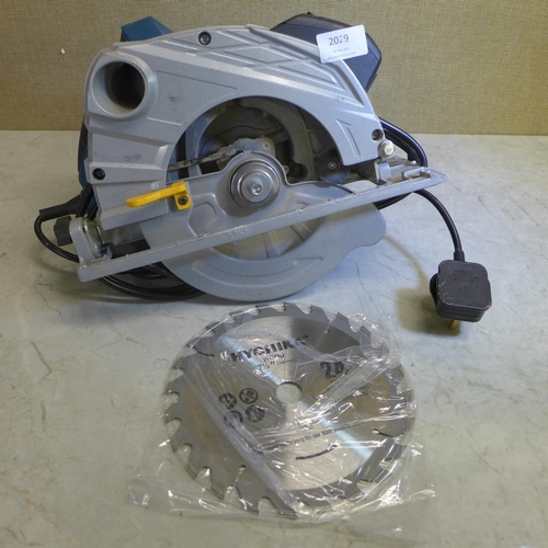 2029 - Workzone 240v circular saw - W...