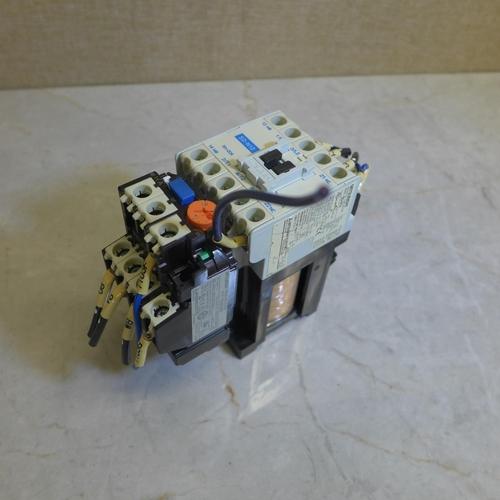 2033 - Bag of Mitsubishi contactors x 8 approx. - used...